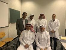 عميد كلية الصيدلة مشرفاً خارجياً لرسالة الدكتوراة بجامعة الملك سعود