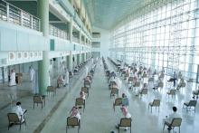 مشرف كليات الأفلاج يتابع سير اختبار منتصف الفصل الأول للطلاب
