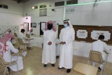 طلاب كلية المجتمع بالخرج يؤدون الاختبارات الفصلية على مقاعد الدراسة