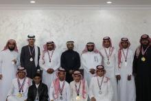 عميد كلية المجتمع بالخرج يكرم الطلاب المشاركين في بطولة ألعاب القوى