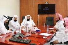 معهد البحوث يناقش توجيهات معالي وزير التعليم لتطوير المقررات