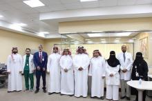وكيل الجامعة للشؤون التعليمية والأكاديمية يزور طلاب وطالبات الجامعة المتدربين في مستشفى الدكتور سليمان الحبيب