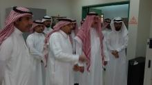 زيارة صاحب السمو الملكي الأمير عبدالعزيز بن سطام بن عبدالعزيز لمعامل كلية الصيدلة
